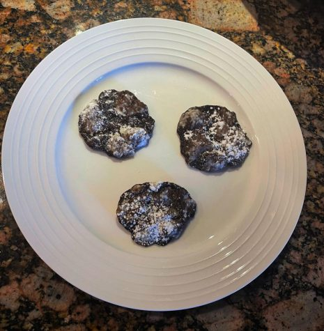 Crispy Chocolate Crinkle Cookies